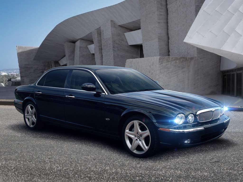 Jaguar Executive XJ8