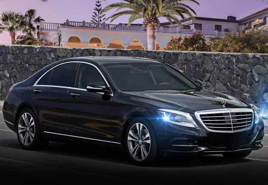 Mercedes-Benz con conductor